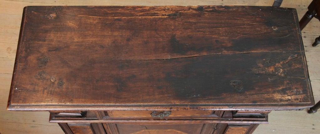 Italian renaissance walnut and inlaid credenza at 1stdibs for 1 panel inlaid oak veneer door