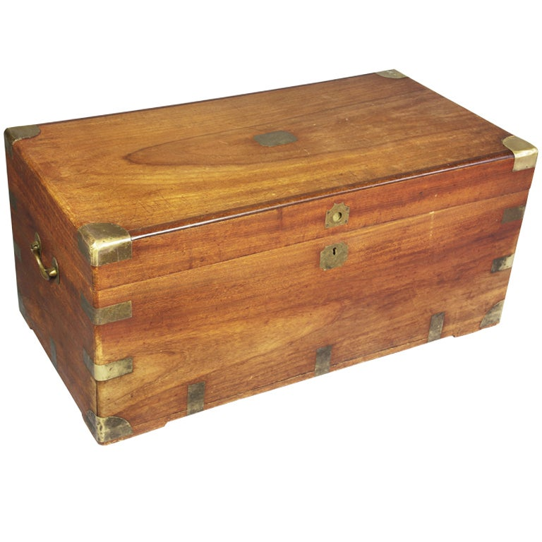 Chinese export camphor wood and brass mounted wood chest for Wood in chinese