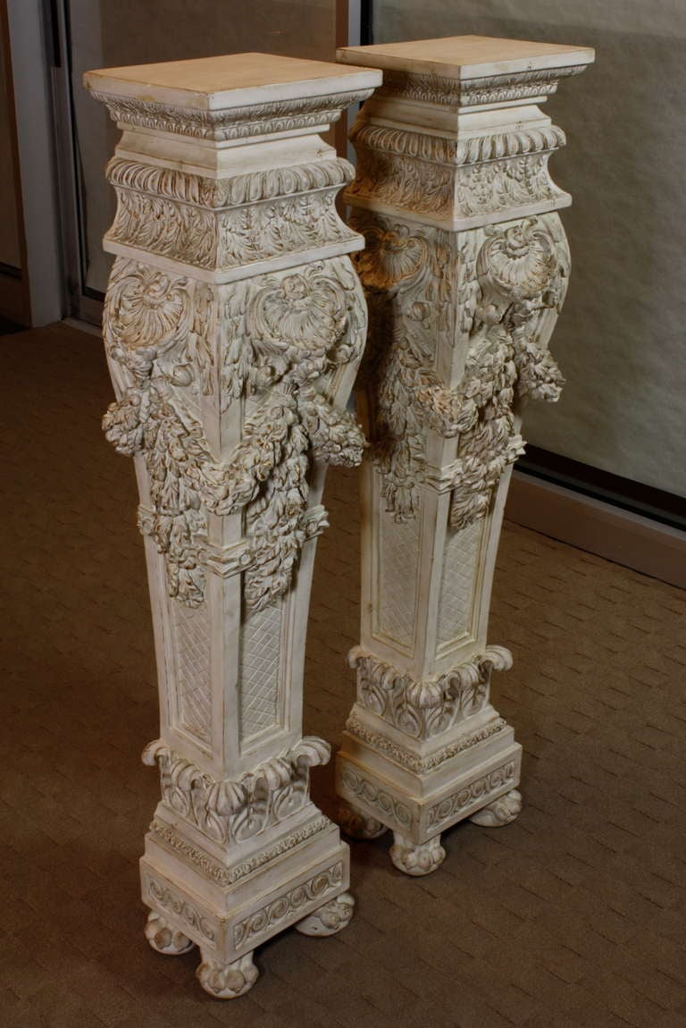 Pair of Italian Baroque Style Hand Carved Wood Pedestals Painted White In Good Condition For Sale In Charleston, SC