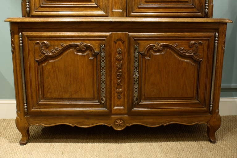 French Louis XV Buffet a Deux Corps For Sale 1