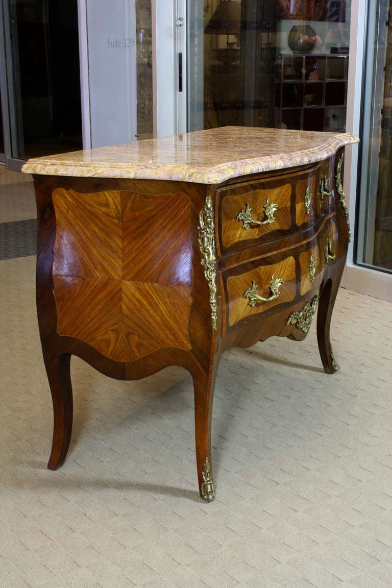 french louis xv style commode for sale at 1stdibs. Black Bedroom Furniture Sets. Home Design Ideas