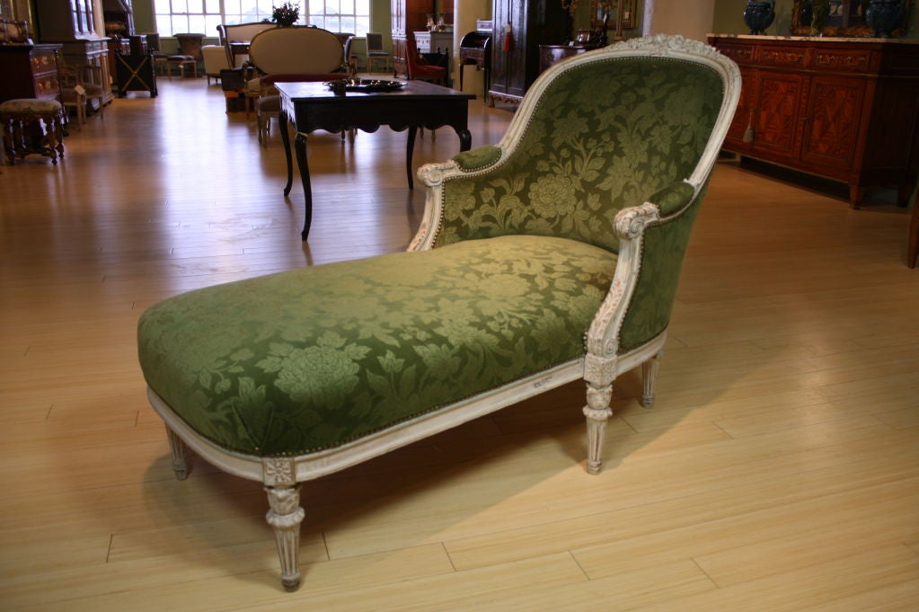 French louis xvi style painted chaise longue at 1stdibs for Chaise style louis xvi moderne