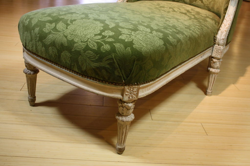 french louis xvi style painted chaise longue at 1stdibs. Black Bedroom Furniture Sets. Home Design Ideas