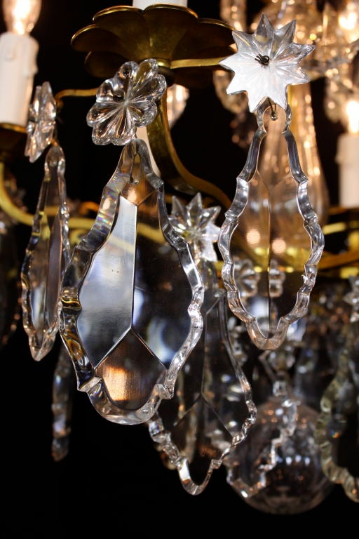 French Gilt-Bronze Chandelier with Exceptional Crystals For Sale 3