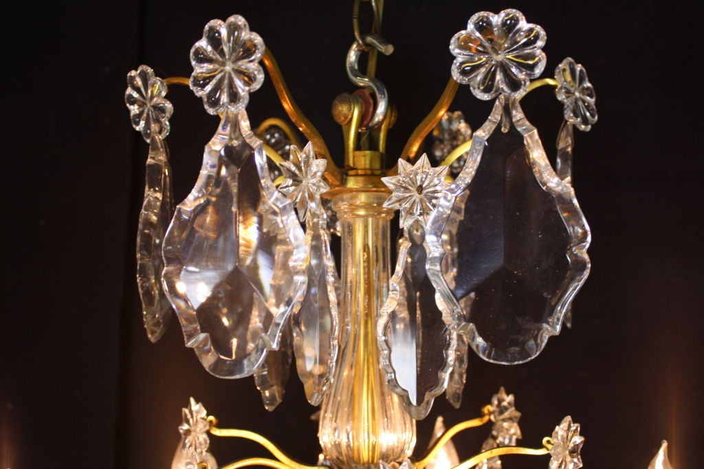 French Gilt-Bronze Chandelier with Exceptional Crystals For Sale 4