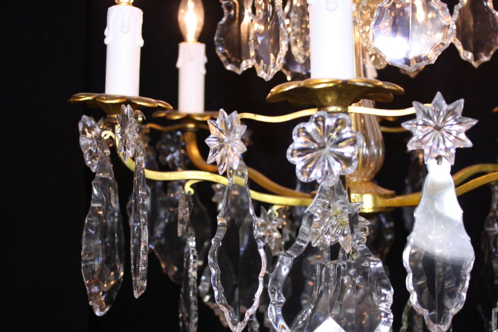 French Gilt-Bronze Chandelier with Exceptional Crystals For Sale 5