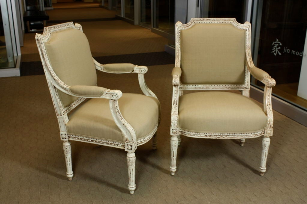 Neoclassical Pair of French, Louis XVI Style Fauteuils For Sale