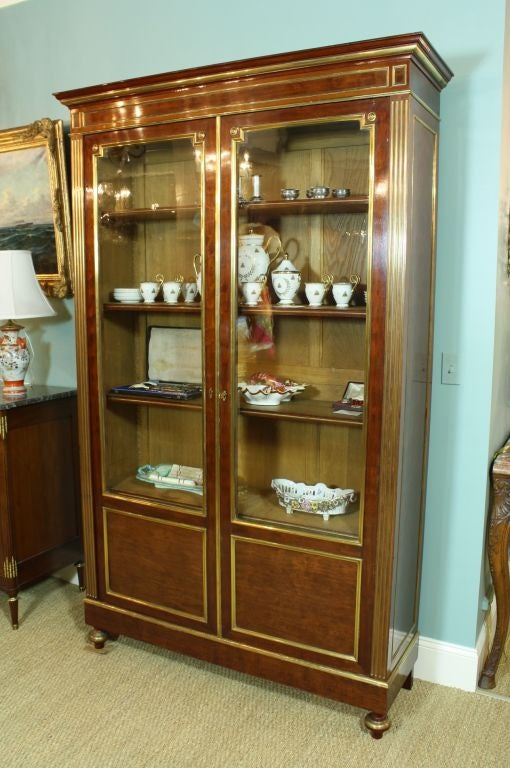 French Louis XVI Style Mahogany Bookcase Bibliotheque In Good Condition For Sale In Charleston, SC