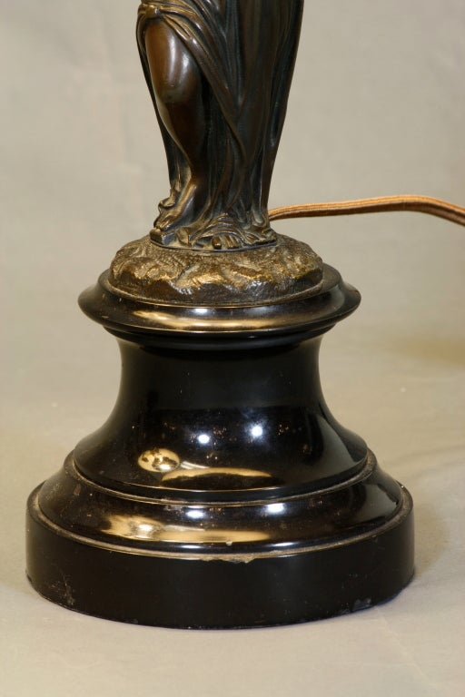 Pair of French Ormolu and Patinated Bronze Caryatid Lamps For Sale 4