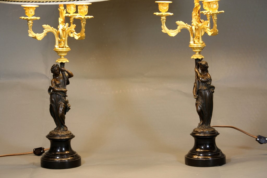 Louis XVI Pair of French Ormolu and Patinated Bronze Caryatid Lamps For Sale