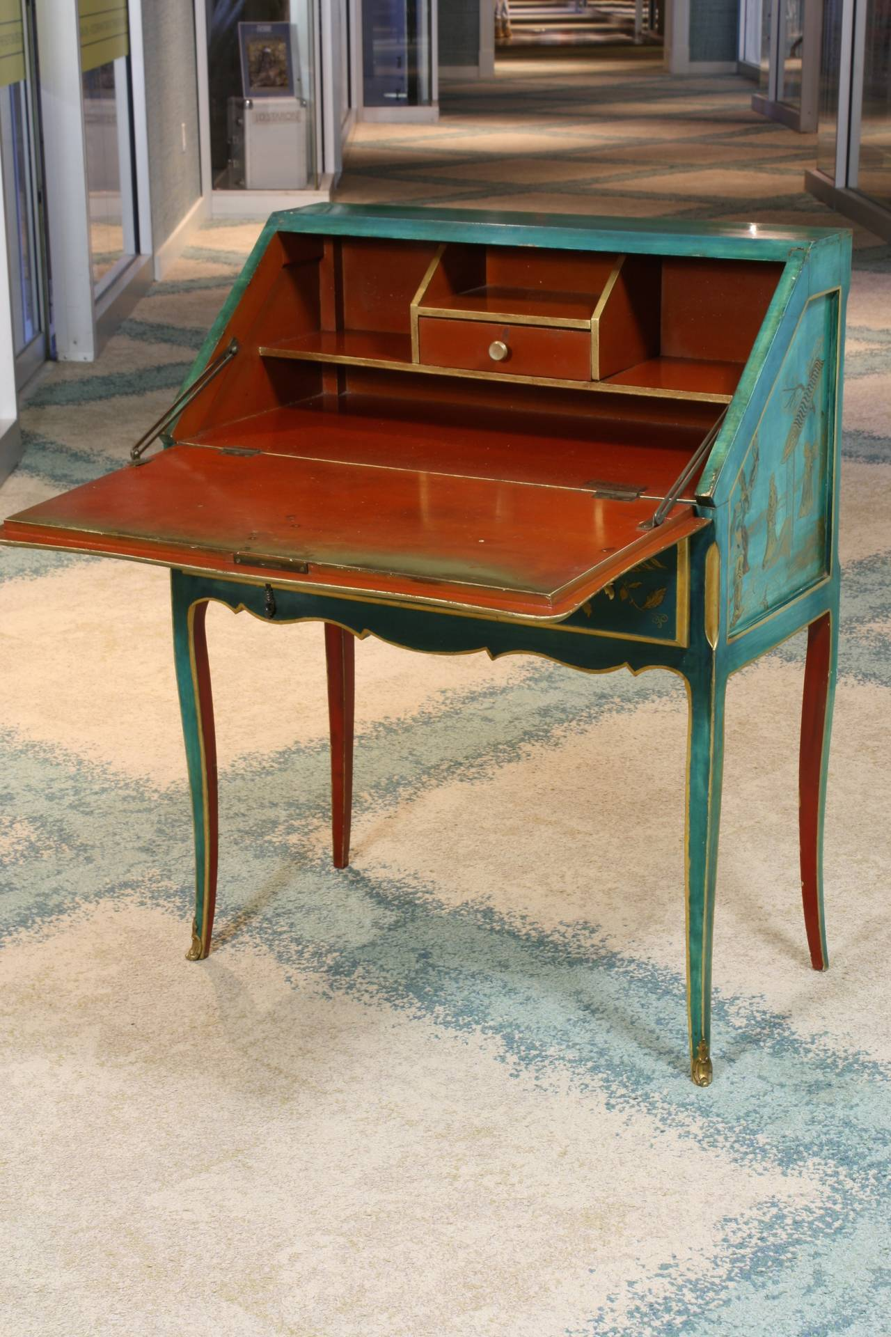 20th Century Louis XV Style Chinoiserie Slant-Top Desk For Sale