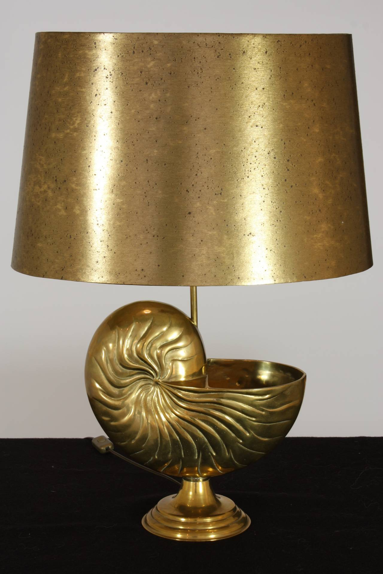 French Bronze Nautilus Shell Lamp in the Style of Maison Charles For Sale 1