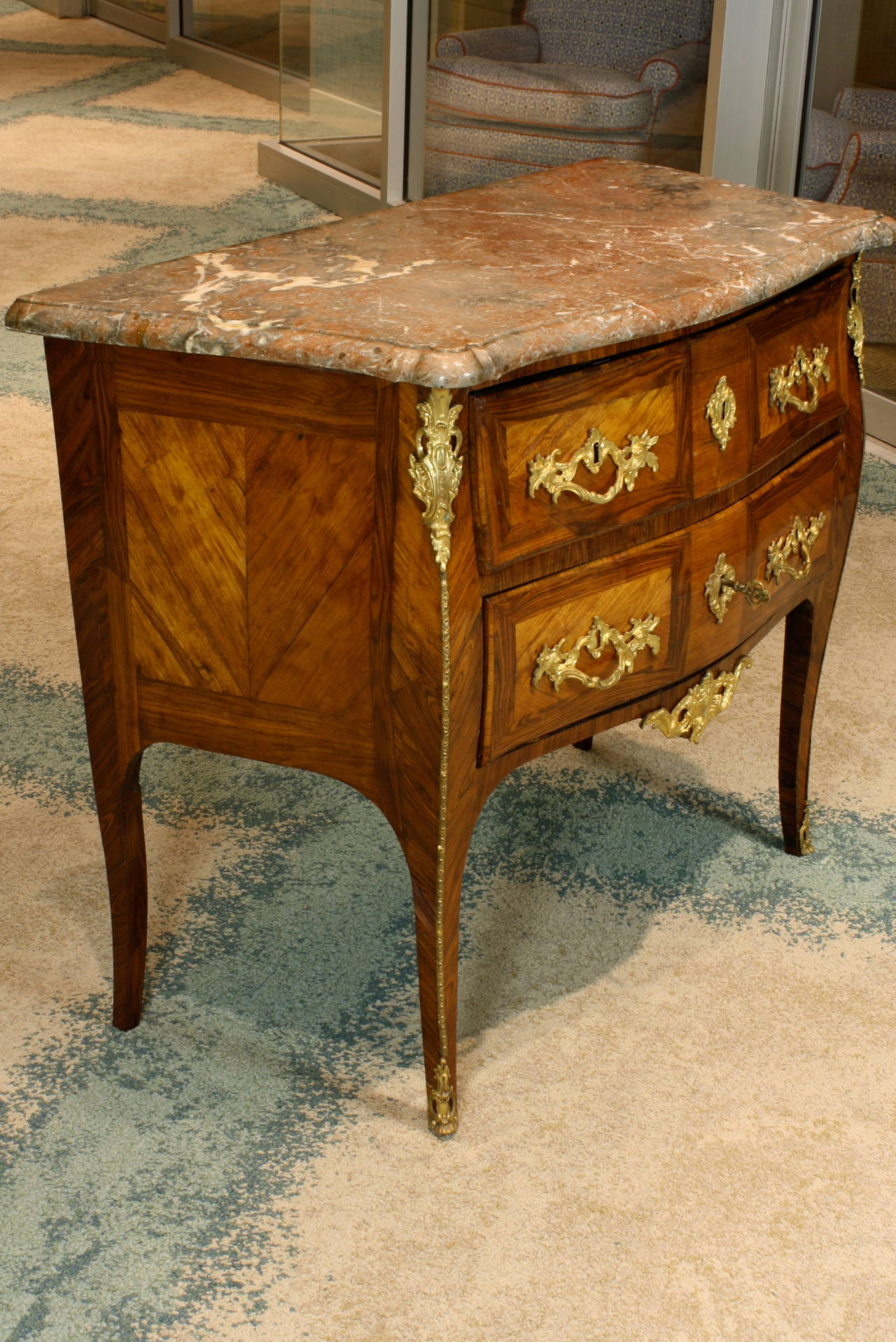 french louis xv period petite commode for sale at 1stdibs. Black Bedroom Furniture Sets. Home Design Ideas