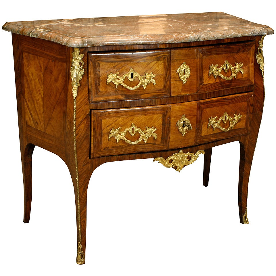 french louis xv period petite commode at 1stdibs. Black Bedroom Furniture Sets. Home Design Ideas