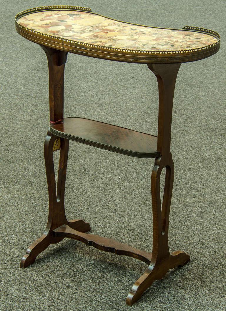 table en rognon or kidney shaped work table for sale at 1stdibs. Black Bedroom Furniture Sets. Home Design Ideas