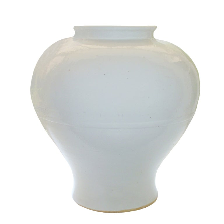 chinese blanc de chine vase at 1stdibs. Black Bedroom Furniture Sets. Home Design Ideas