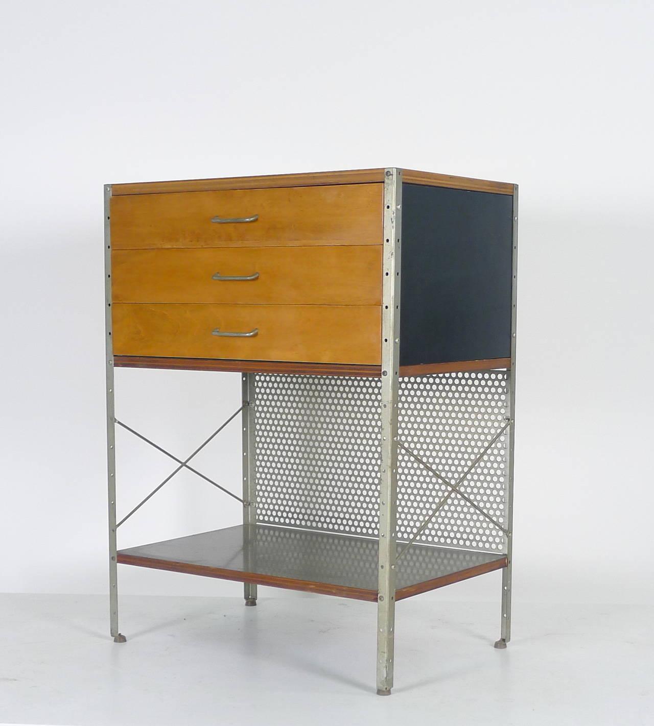 Mid Century Modern Eames For Herman Miller ESU 270 C Cabinet For Sale