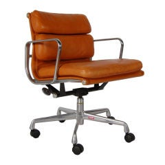 Charles and Ray Eames ; Soft Pad Desk Chair