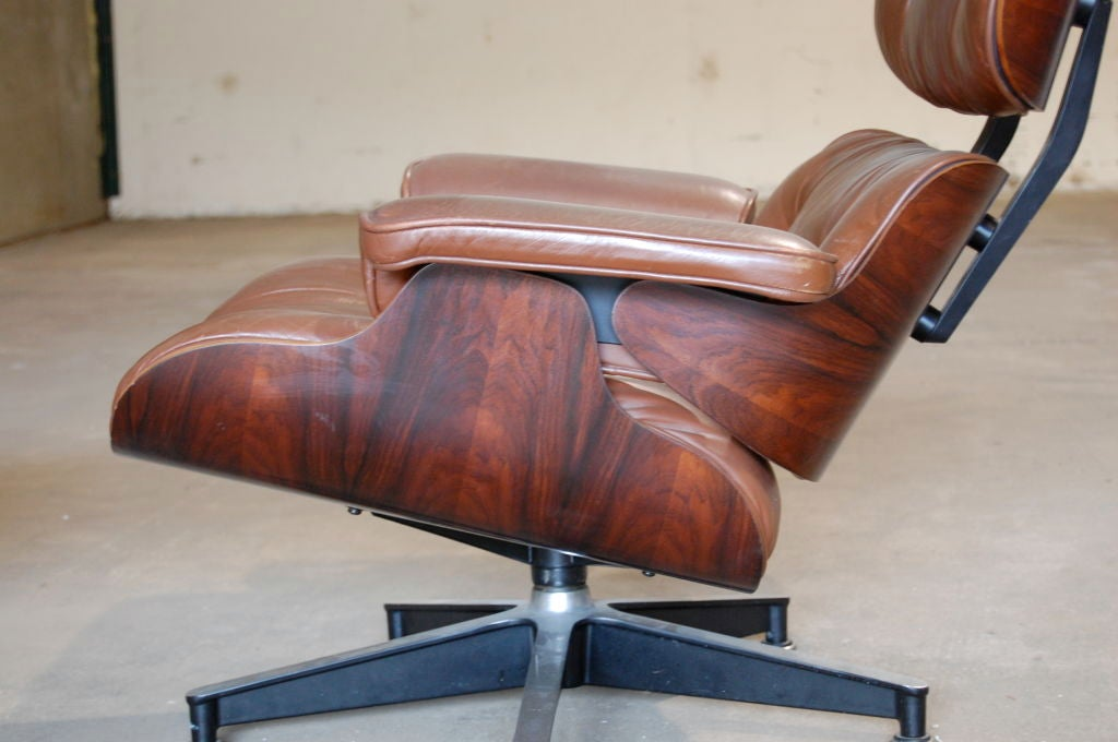 Charles and ray eames lounge chair and ottoman at 1stdibs - Eames lounge chair prix ...