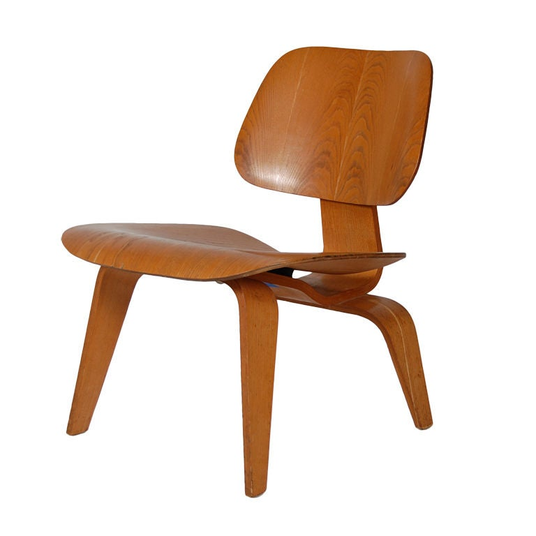 Charles eames original vintage lcw at 1stdibs - Fauteuil eames original ...