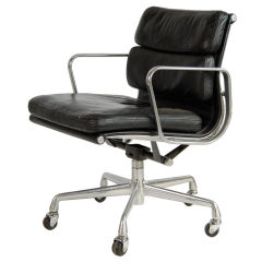 Charles And Ray Eames ; Vintage Soft Pad Chair