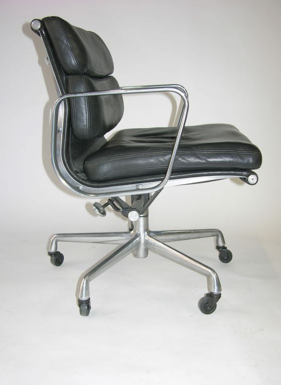 Eames Soft Pad Lounge Chair Made By Herman Miller At 1stdibs