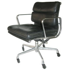 Eames Soft Pad Lounge Chair made by Herman Miller