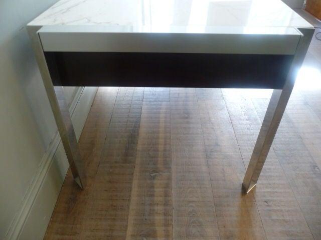 Mobilier contemporain desk designed by george frydman at for Mobilier contemporain