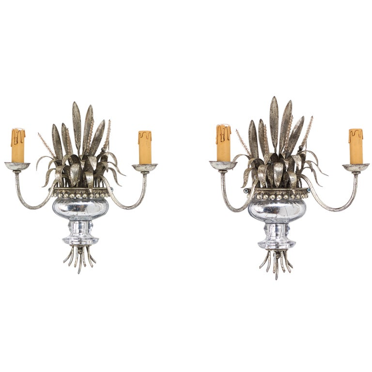 Wall Sconces Flower Vases : Pair Bagues Glass Flowers and Vase Wall Sconces at 1stdibs