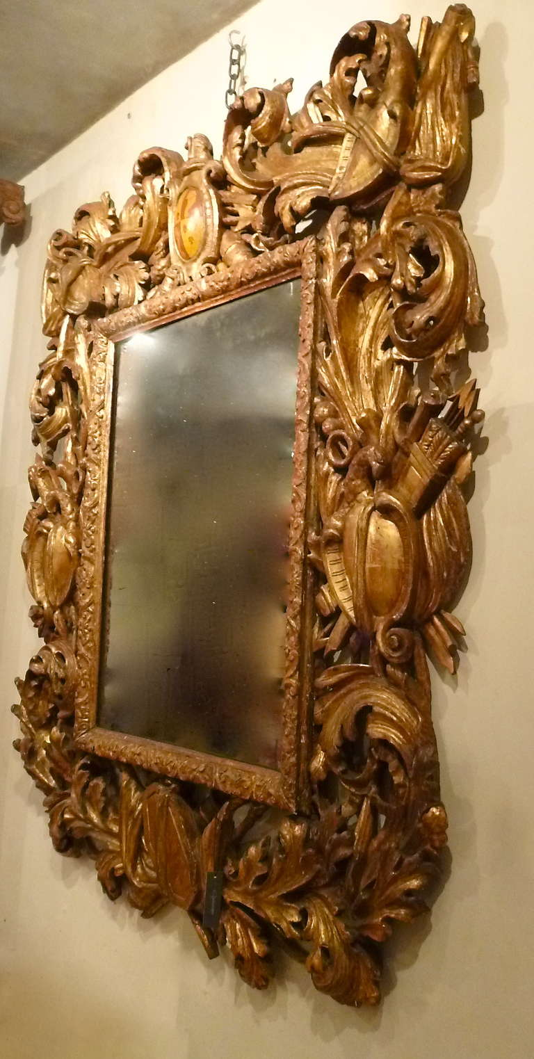 Large Italian Early 18th Century Carved Baroque Giltwood