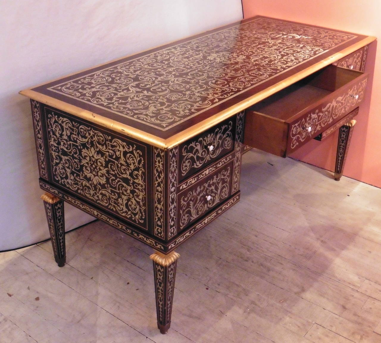French louis xiv style pewter inlaid rosewood bureau plat for Bureau grotesque
