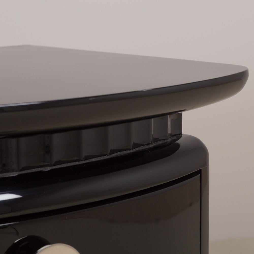 Stunning Jet Black Lacquered Three-Drawer Commode, 1980s For Sale 1