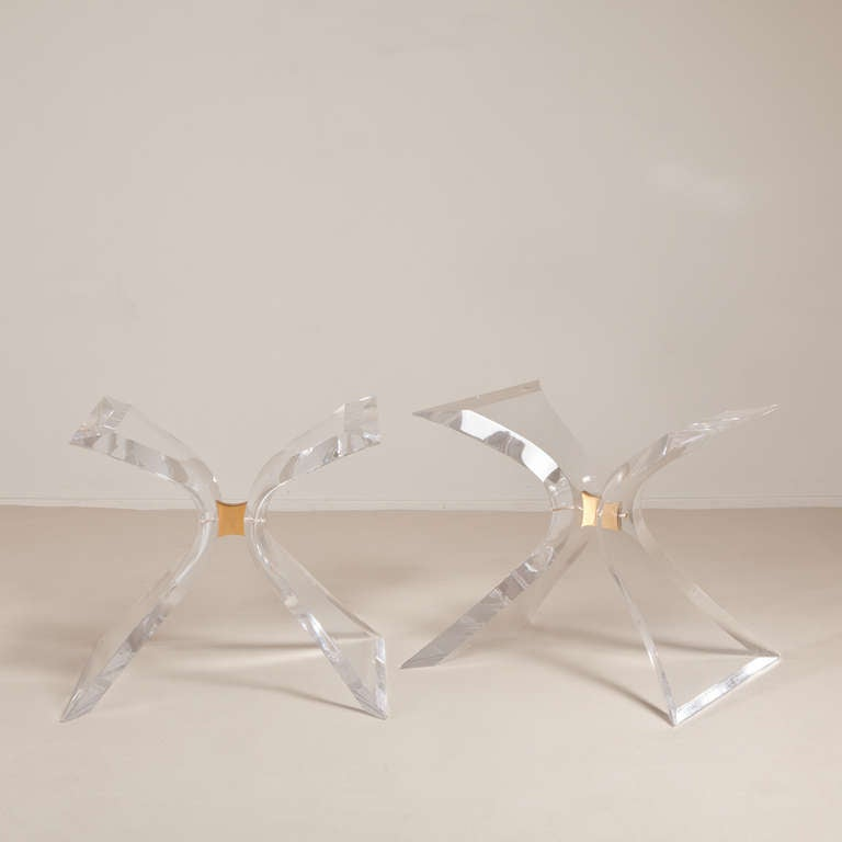 A Pair Of Lion In Frost Butterfly Lucite Table Bases 1960s At 1stdibs