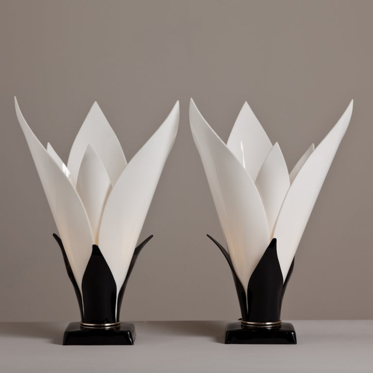 A Pair of Tulip Shaped Acrylic Table Lamps by Rougier 1970s 2