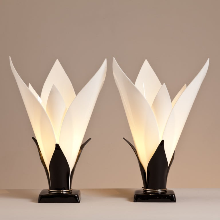 A Pair of Tulip Shaped Acrylic Table Lamps by Rougier 1970s 3