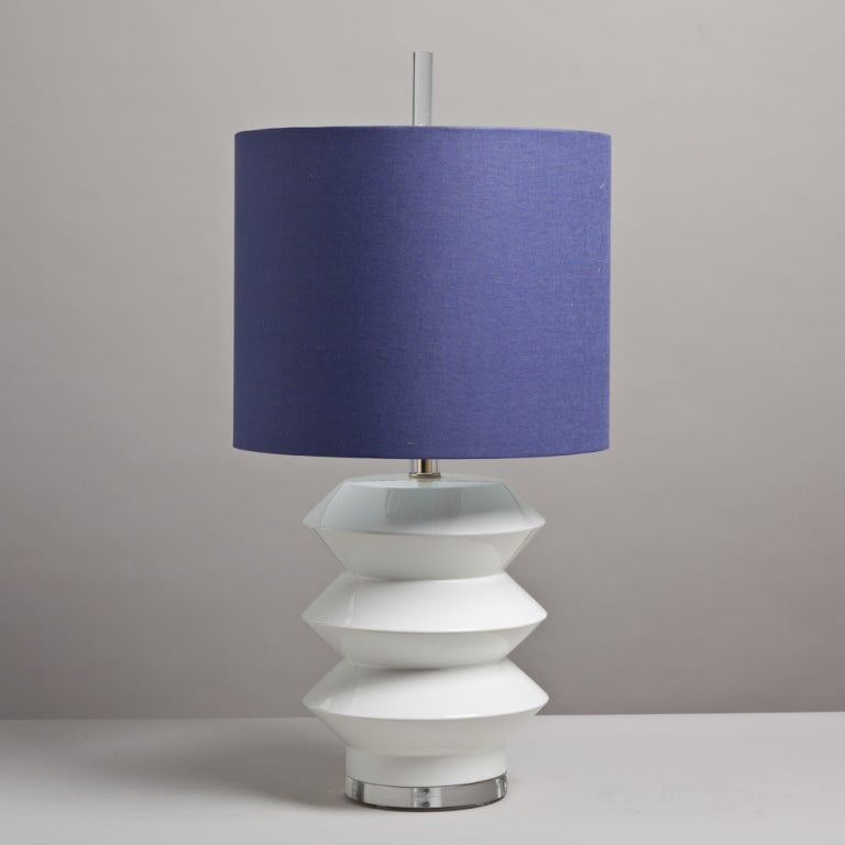 beehive shaped white ceramic table lamp 1960s at 1stdibs. Black Bedroom Furniture Sets. Home Design Ideas