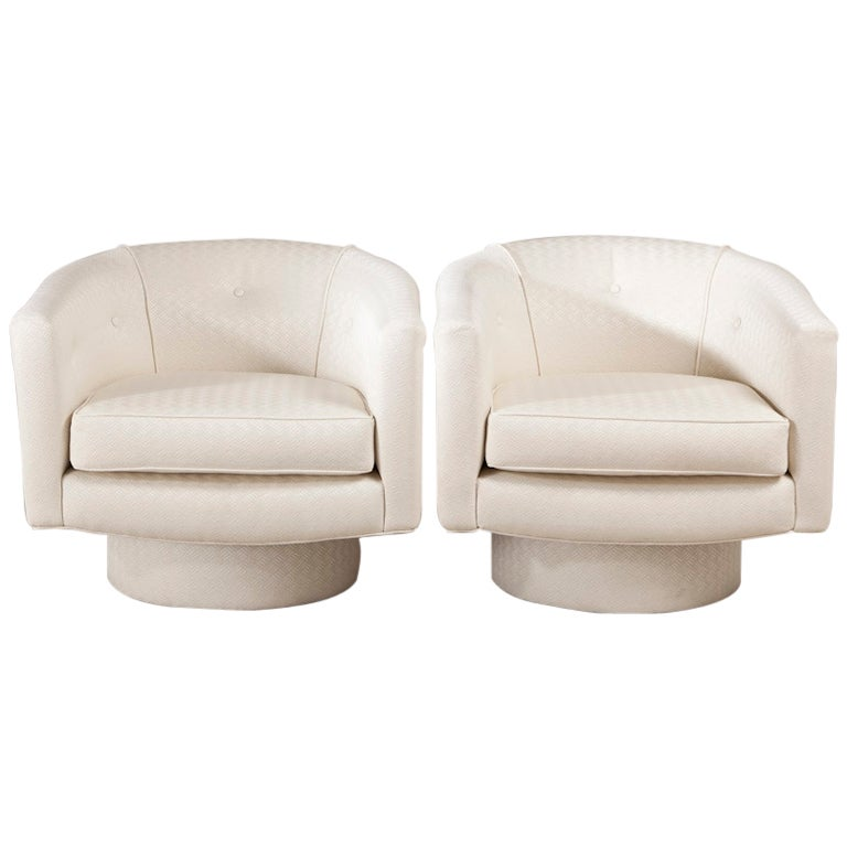 A Pair of Swivel Tub Chairs with Buttoned Back 1970s For