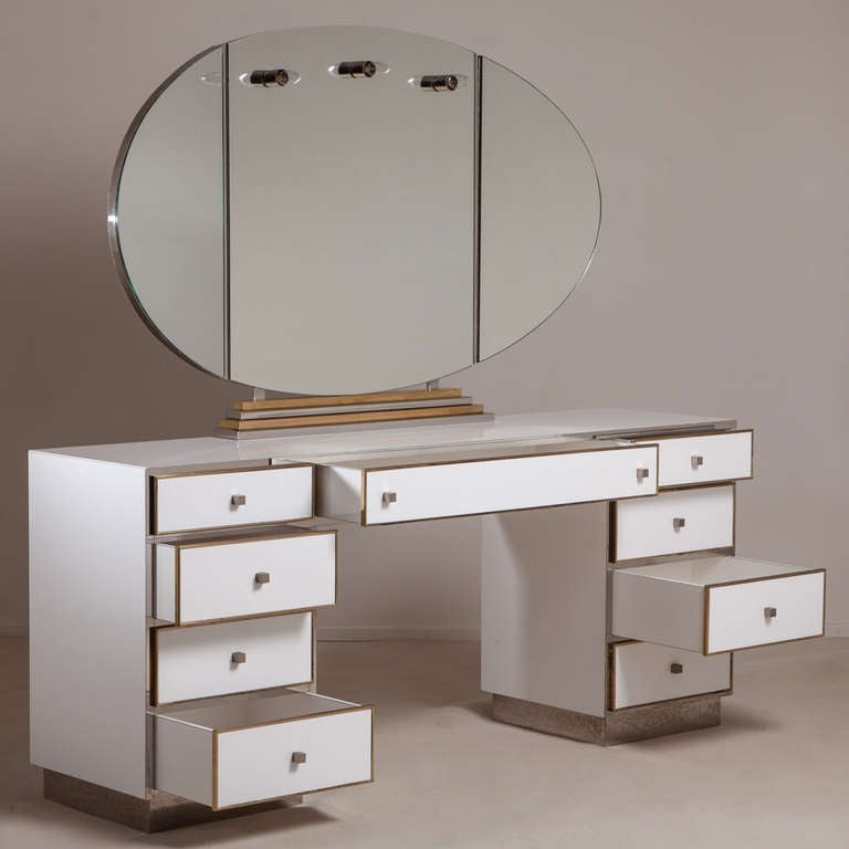 A large dressing table with illuminated vanity mirror for Wide dressing table