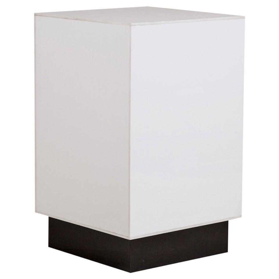 Small Single White Acrylic Light Box Side Table, 1970s 1