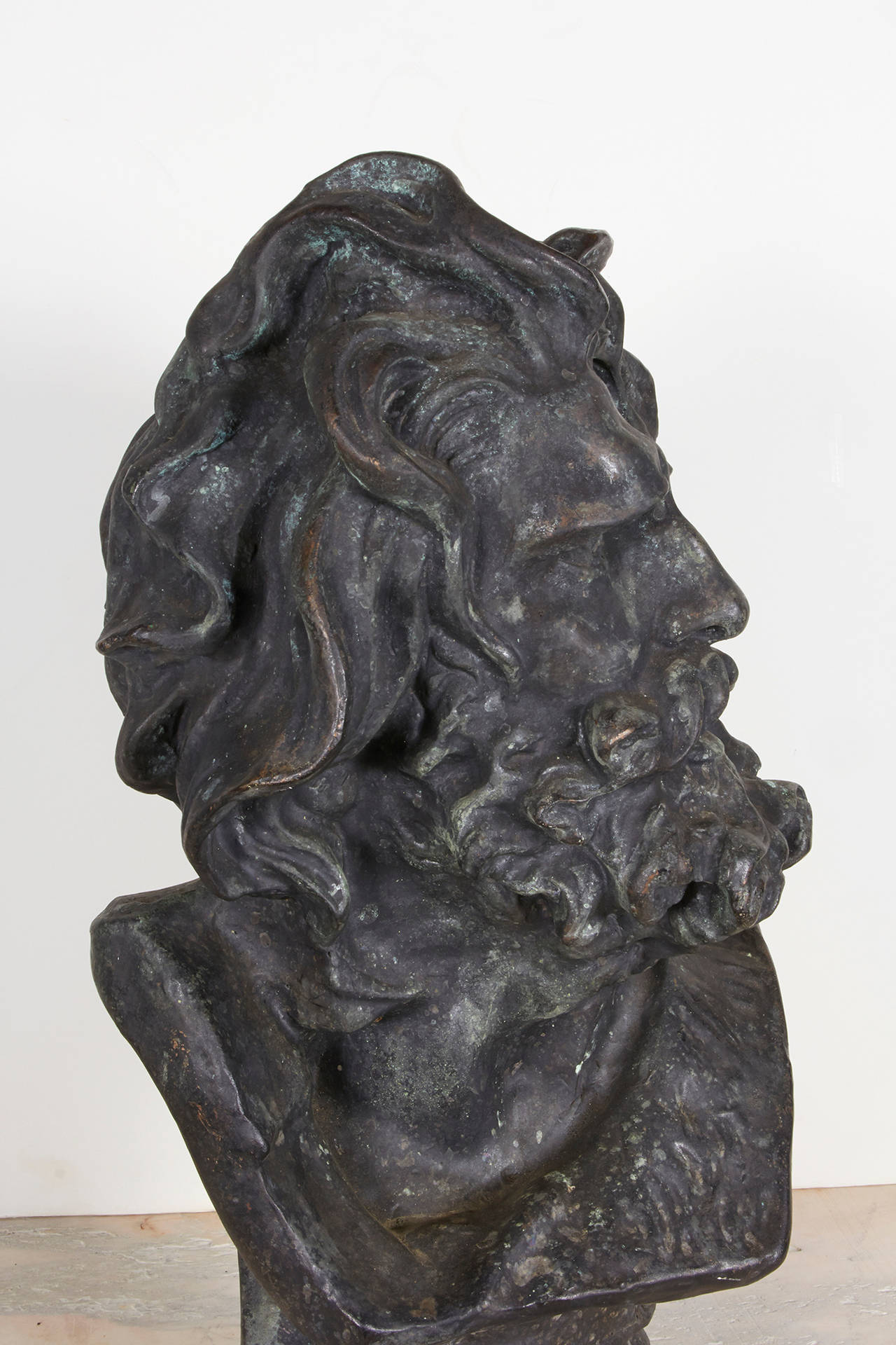 Bronze Bust In Excellent Condition For Sale In New York, NY