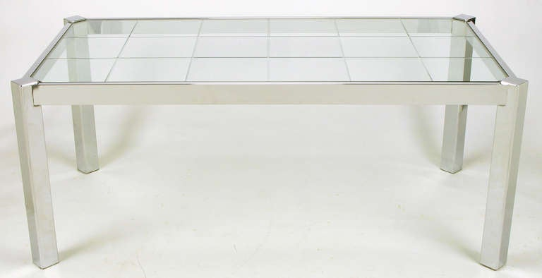 Dia Chrome and Incised Glass Canted Leg Dining Table In Excellent Condition For Sale In Chicago, IL