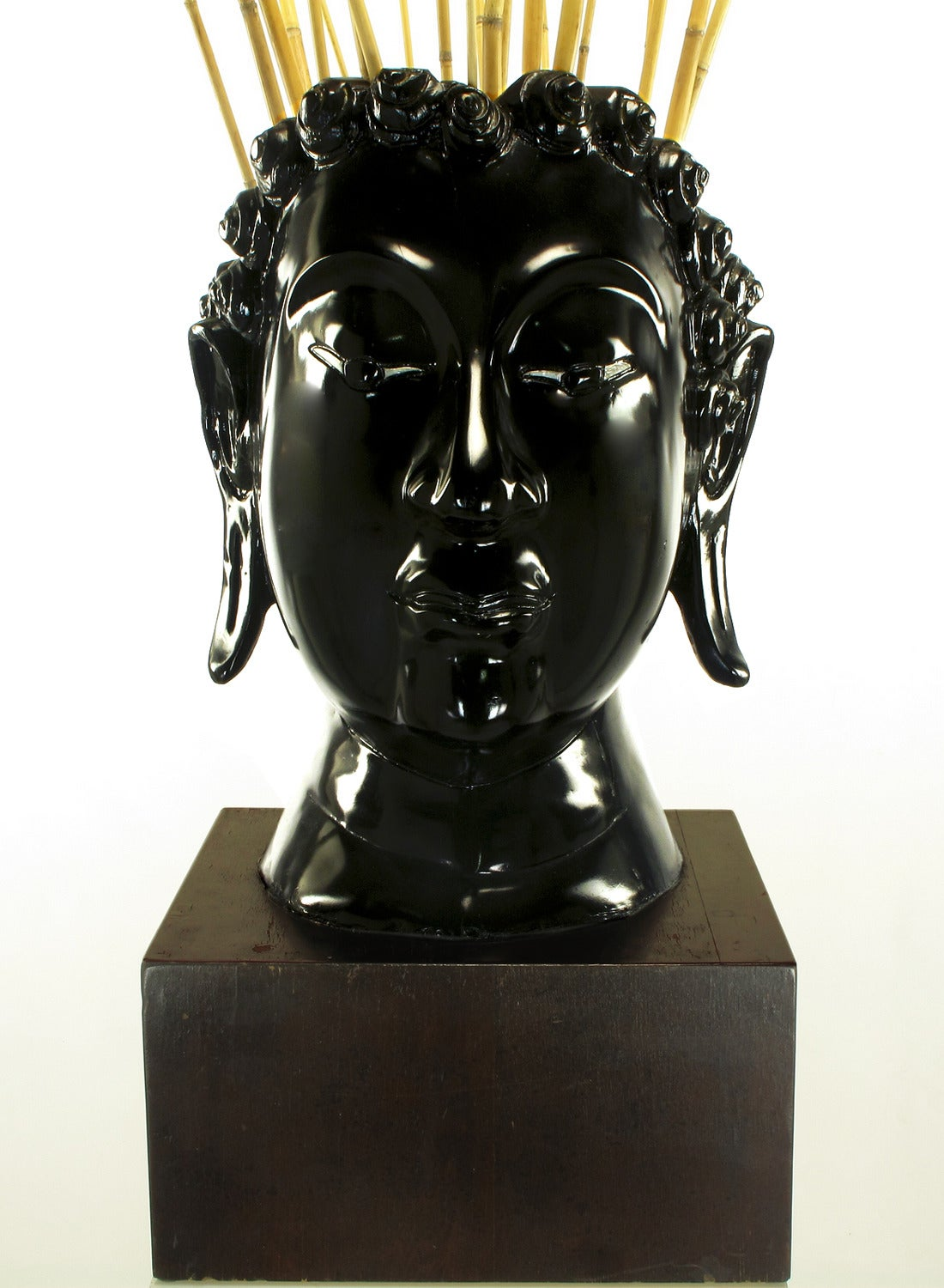 Buddha-Form Mahogany and Black Lacquer Sculpture on White Lucite Pedestal For Sale 2