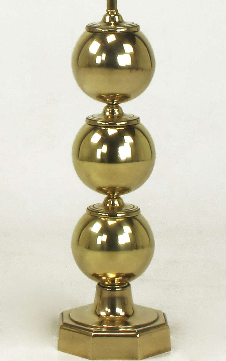 Mid-20th Century Pair of Stacked Brass Ball Table Lamps For Sale
