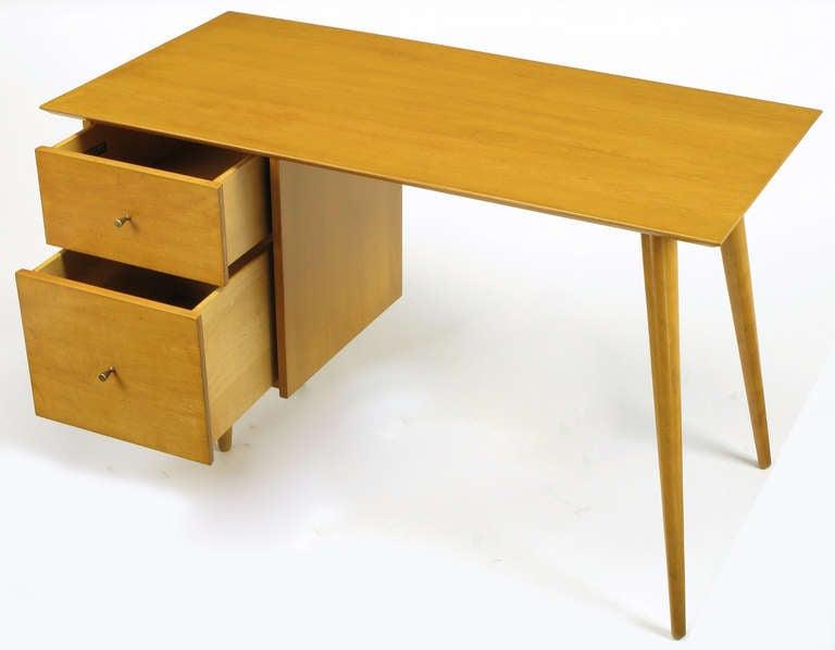 American Paul McCobb Maple Planner Group Desk For Sale