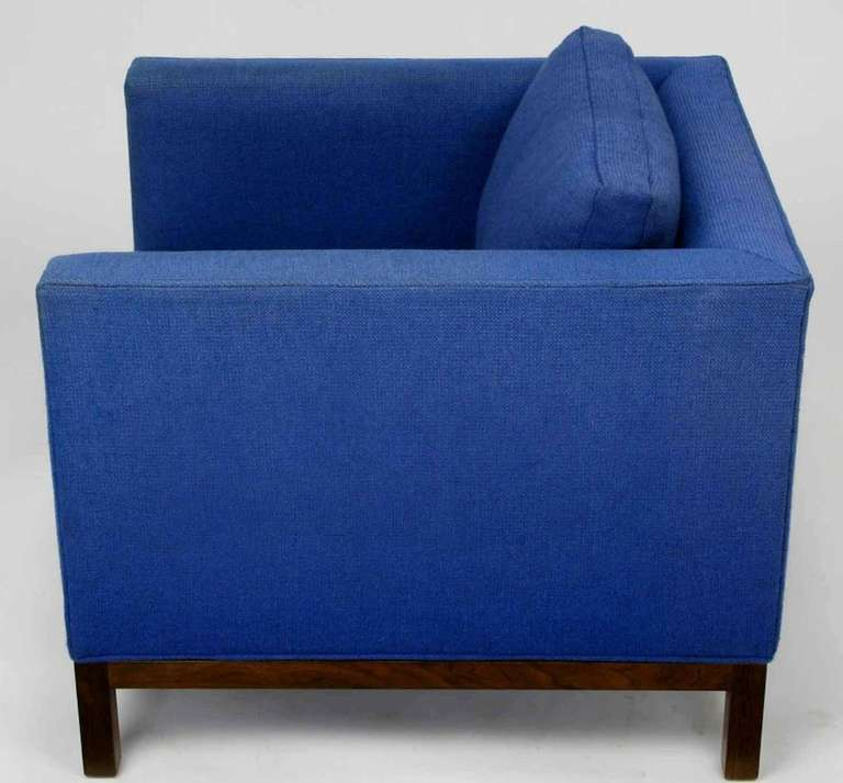 Dunbar Cube Club Chair in Original Blue Wool and Walnut In Good Condition For Sale In Chicago, IL