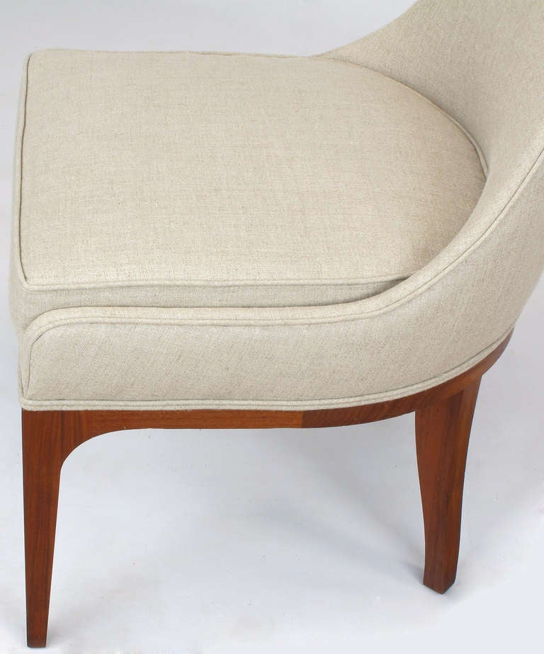 Set of Four Rosewood and Linen Spoon-Back Dining Chairs For Sale 3