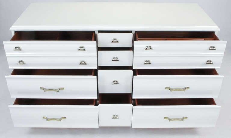 White Lacquer Fluted Front Dresser by Kling Furniture In Excellent Condition For Sale In Chicago, IL