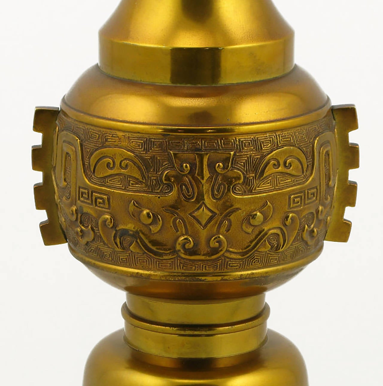 American Large Incised Brass Chinoiserie Table Lamp For Sale