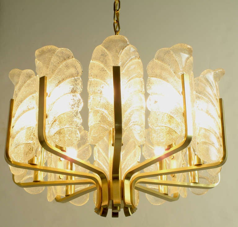 American Murano Glass Acanthus Leaf and Brass Ten-Arm Chandelier For Sale