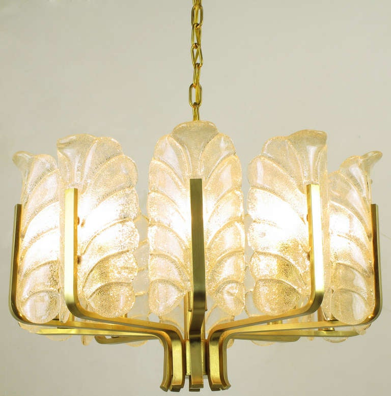 Murano Glass Acanthus Leaf and Brass Ten-Arm Chandelier For Sale 1